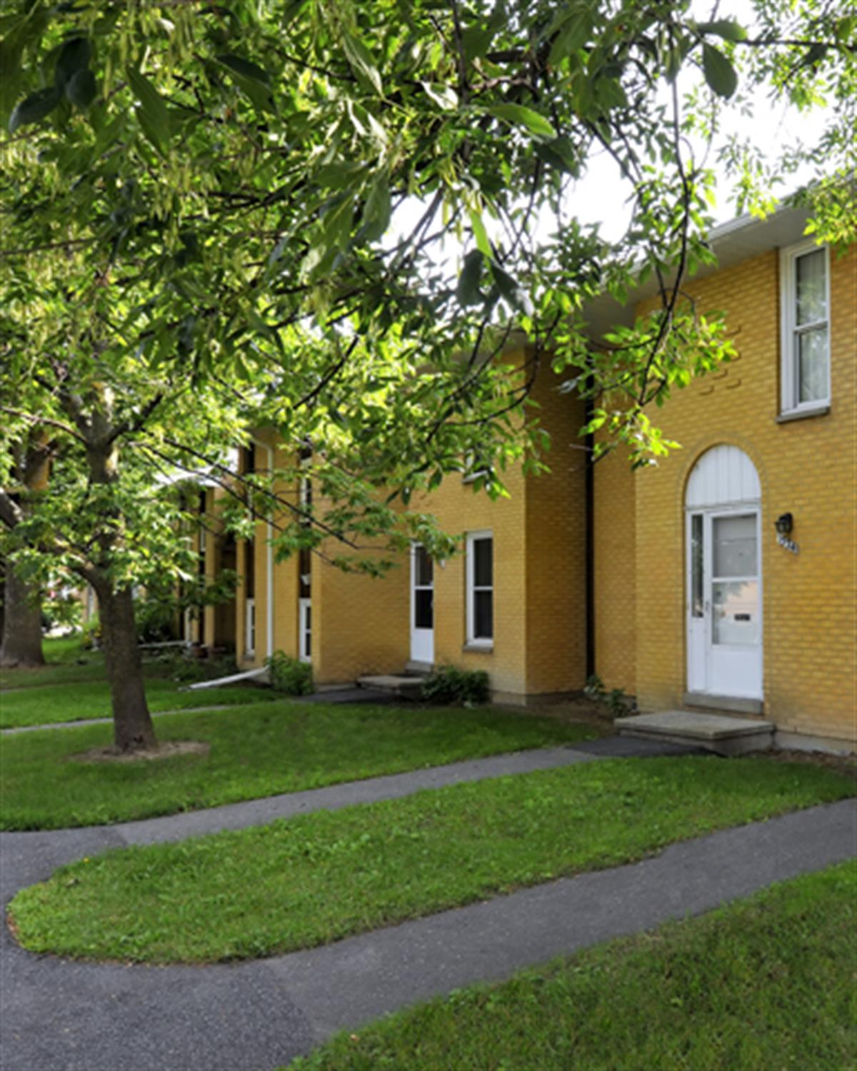 Find Townhomes: Townhomes Close To Algonquin College, West Ottawa Area