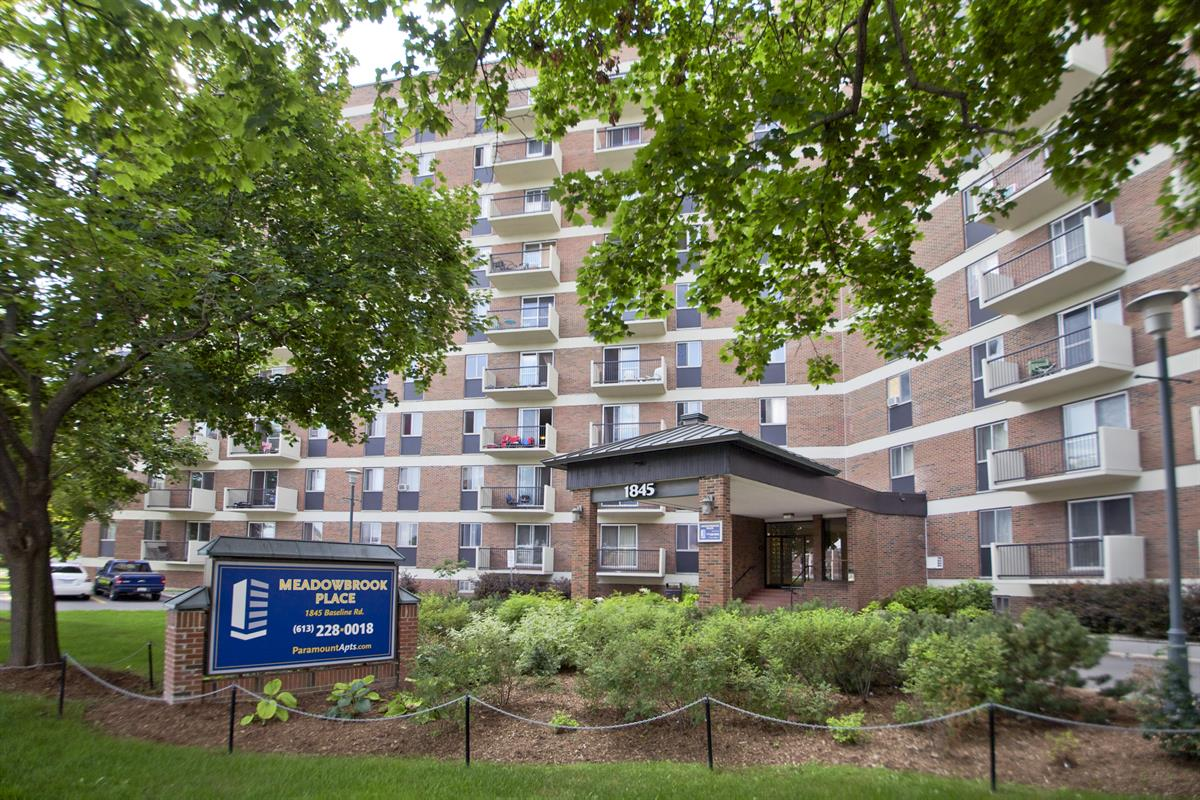 Meadowbrook Place Apartments