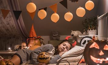 Paramount Properties Blog - How to Enjoy Halloween in an Apartment Building