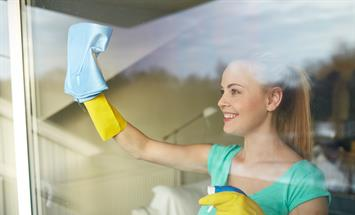 Paramount Properties Blog - 6 Cleaning Must-Haves for Your Apartment