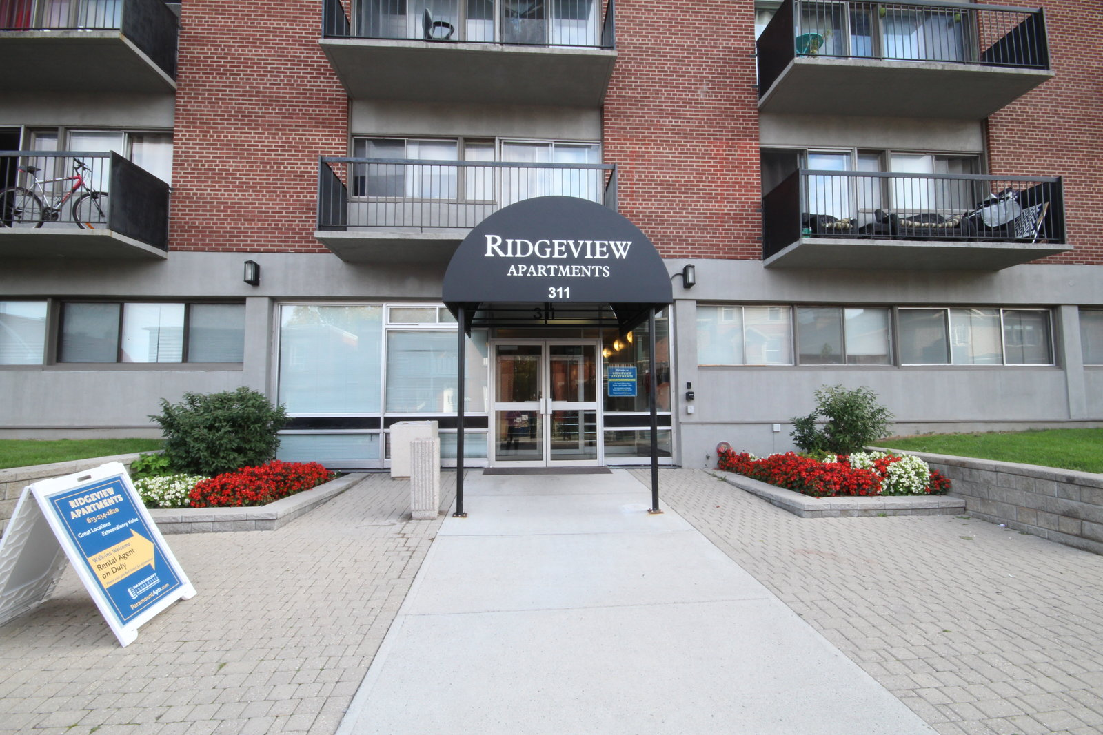 apartments close to carleton university, downtown ottawa
